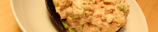 sweet_and_spicy_tuna_salad_stuffed_avacado_featured
